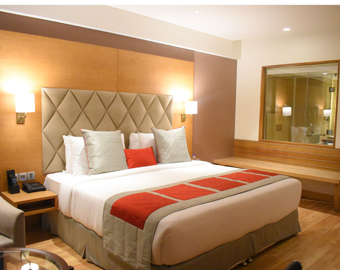 2.-Deluxe-Room-Large-Bed